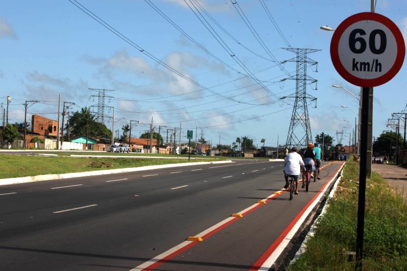 Cada pista da nova Independência é dotada de ciclofaixas com 1,50m de largura, para garantir maior segurança a quem precisa se deslocar de bicicleta