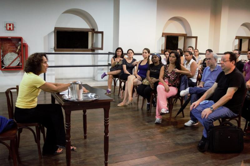 """Dentro da programação do Festival, a professora e coreógrafa Marília Viegas Araújo, ministrou a palestra """"O Coro em Movimento"""""""