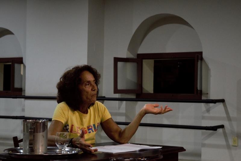 """""""Qualquer pessoa que realmente se dedique pode transmitir alguma coisa com o movimento do corpo"""", disse a professora Marília Viegas Araújo"""