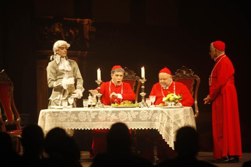 A ópera 'A Ceia dos Cardeais', do compositor paraense Arthur Iberê de Lemos, foi apresentada na Igreja de Santo Alexandre, no centro histórico de Belém