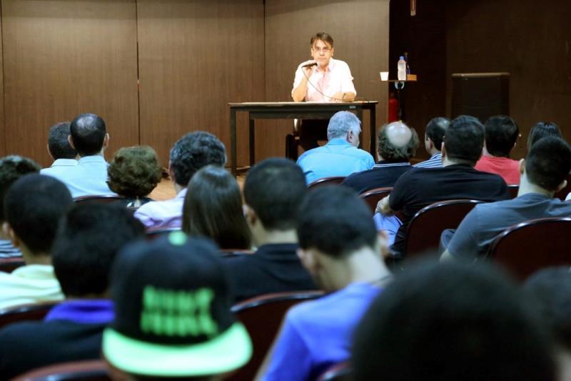 O palestrante fez um balanço sobre o passado musical da capital paraense no período que antecede a criação do Conservatório Carlos Gomes