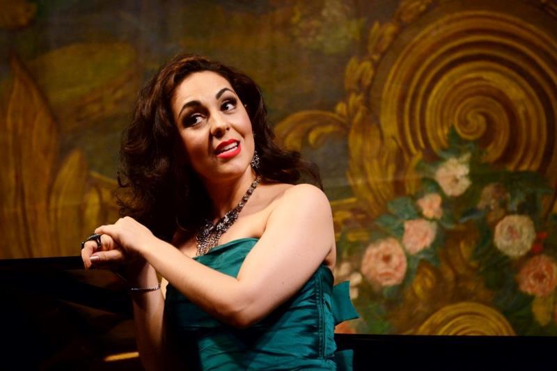 """""""Os sonhos de amor e sua doce ou dura realidade são bem apresentados nos poemas das canções e no enredo das óperas"""", destacou a cantora"""