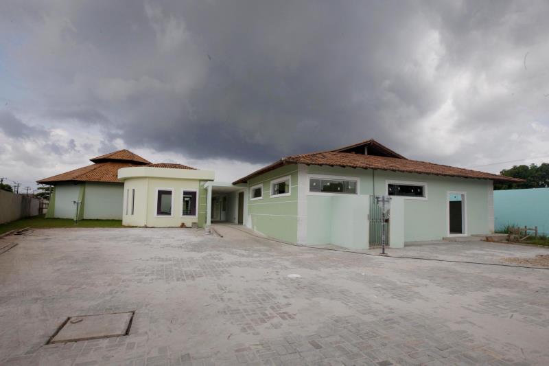Construída em uma área de 2.230 metros quadrados, a empresa responsável está finalizando a última etapa do projeto concebido para receber 50 idosos
