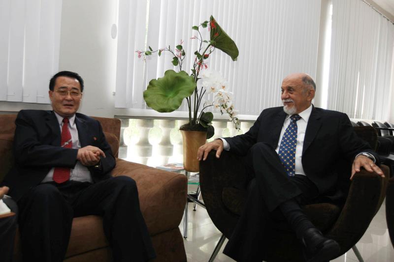 Kim Chol Hak aprofundou o diálogo nas áreas de Educação, Saúde, Logística e Infraestrutura e disse que os projetos no Estado serão concretizados em breve
