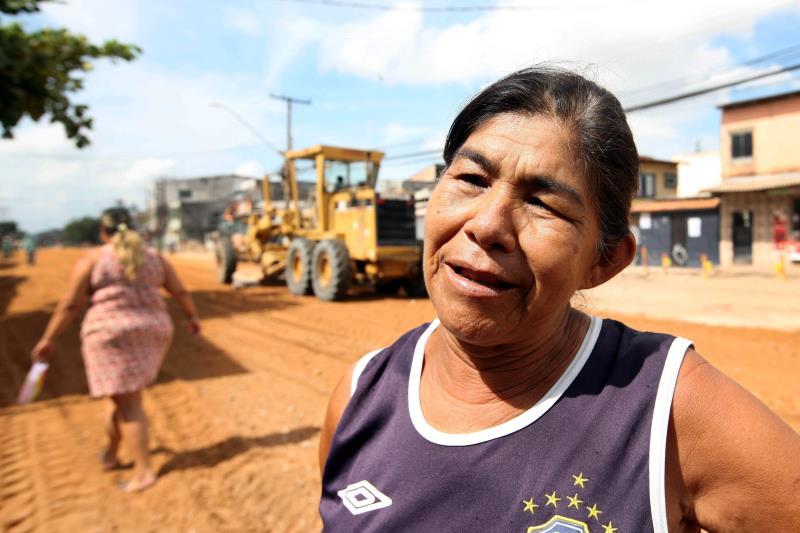 Ruth Palheta, 52, comerciante e moradora da avenida Perimetral há 23 anos diz que a obra vai sanar antigos problemas da área