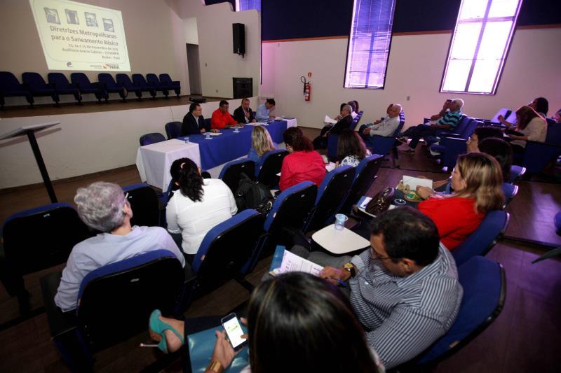 """Em debate durante o seminário: """"Diretrizes Metropolitanas para o Saneamento Básico"""". Assunto fundamental para a região metropolitana de Belém."""