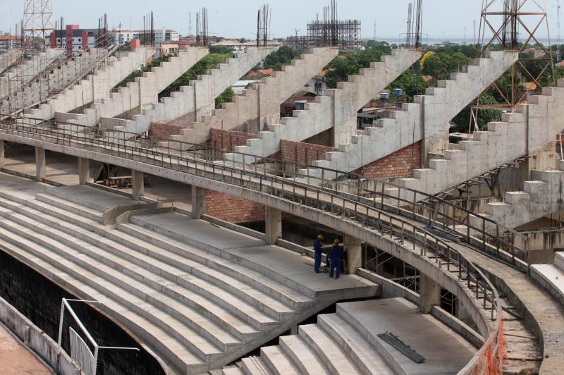 As obras de conclusão do estádio foram retomadas em abril deste ano e obedecem um novo cronograma de execução, com foco na infraestrutura.