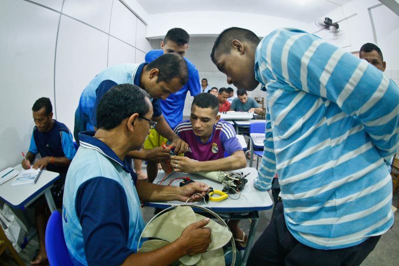 A formação tem carga total de 80 horas. Esta é a primeira vez que um curso de capacitação profissional é realizado na unidade.