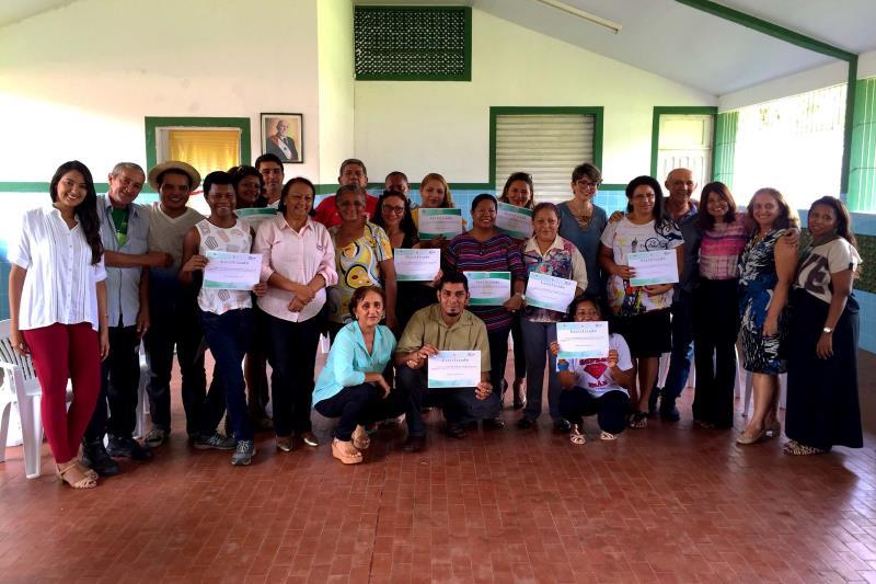 Os certificados dos cursos Cultivando Flores e Vidas e Cozinha Sustentável foram entregues na Central de Abastecimento do Pará (Ceasa)
