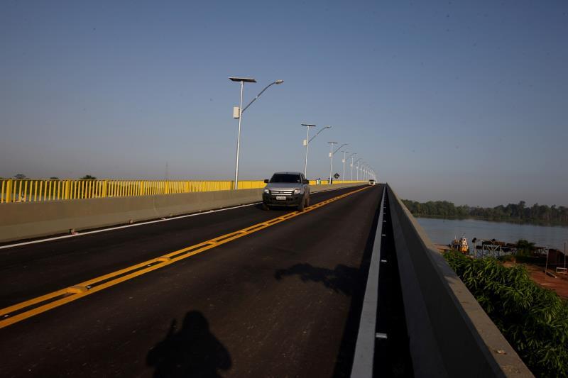 A ponte foi inteiramente repavimentada e também recebeu iluminação com lâmpadas de led que permite ter uma visão melhor do corpo da estrada