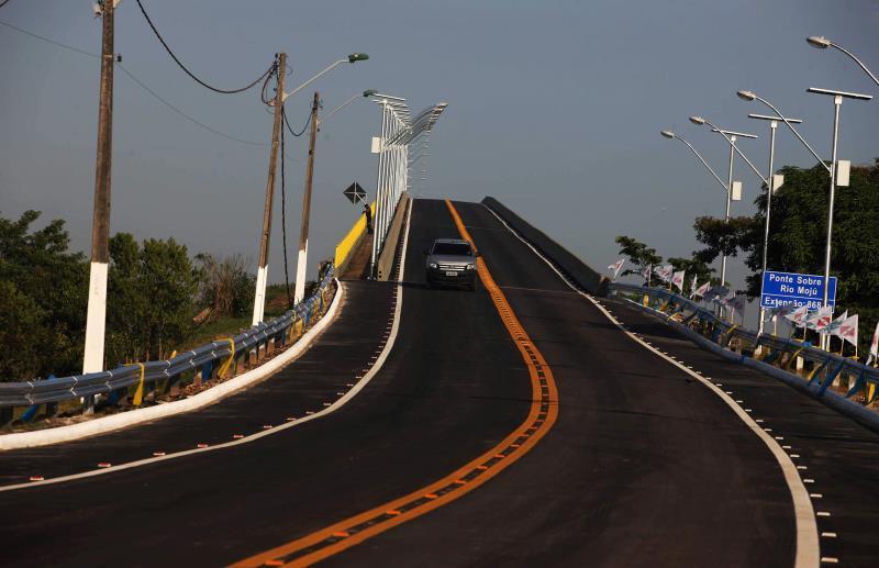 A ponte sobre o Rio Moju foi reaberta neste sábado (19), às 9h, com a presença do governador Simão Jatene, secretários de Estado e autoridades da região