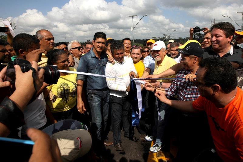 A obra de reconstrução da ponte Moju Cidade foi oficialmente entregue na manhã deste sábado, 19. Um anceio da população do entorno.