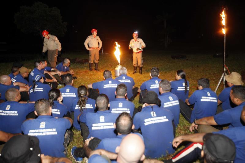 Cinquenta alunos do Brasil inteiro passaram por duas semanas de treinamento, em período integral, entre atividades teóricas e práticas