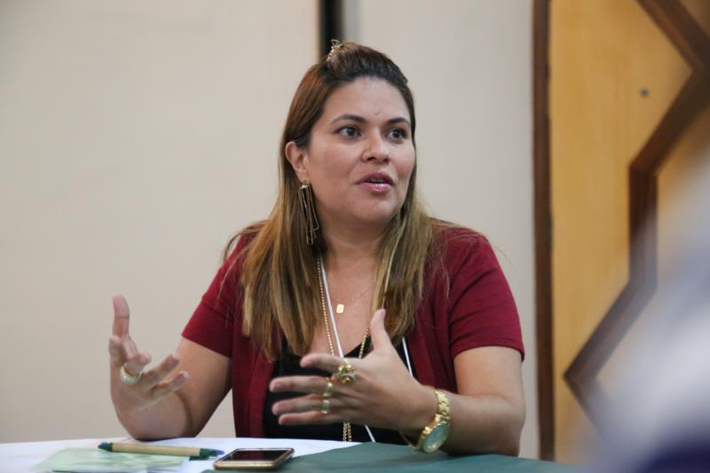 """A presidente da Funpapa, a assistente social Adriana Azevedo. destaca """"o olhar sensível do profissional para entender as diversas formas de vulnerabilidade""""."""