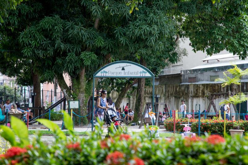 A aconchegante Praça Milton Trindade, antigo Horto Municipal de Belém, fica aberta neste feriado