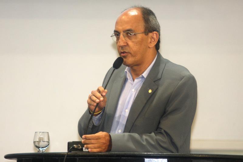 O o deputado Arnaldo Jordy (PPS/PA) pediu que emendas já aprovadas fossem colocadas em prática pelo governo do Estado